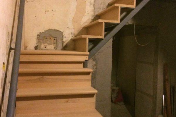 Beltéri lépcsőépítés - Steel City
