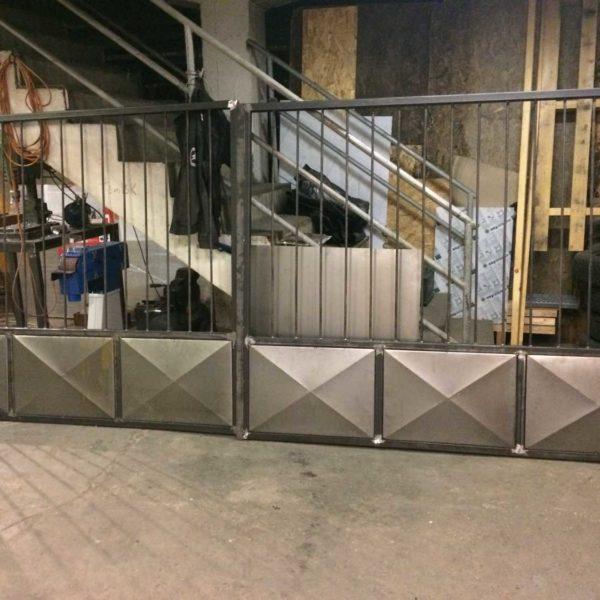 Kerítésépítés - Steel City