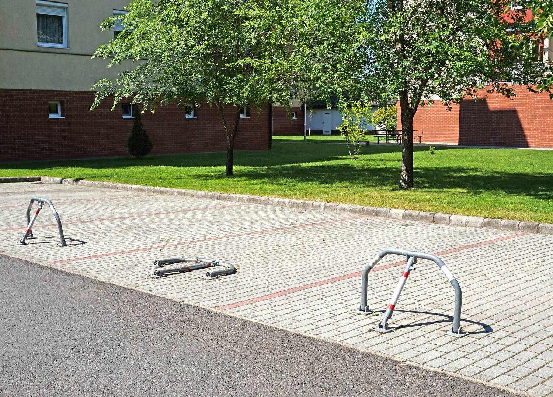 Parkolásgátló elem – lehajtható parkolási torlasz - Steel CityAC